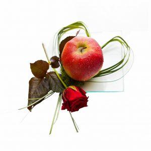 Jabłko z różą
